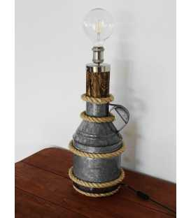 Dekorative Tischleuchte aus einem alten Milchbehälter, Holz und Seil 218