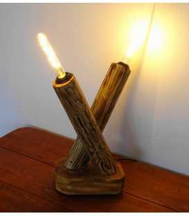 Dekorative Tischleuchte aus Holz 233