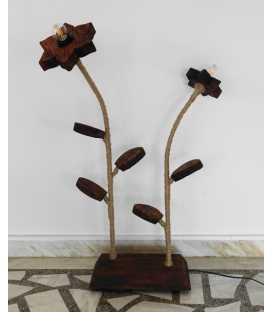 Stehleuchte aus Holz, Metall und Seil 266